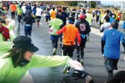 給水&声援でランナーをサポート:さいたま国際マラソンボランティア